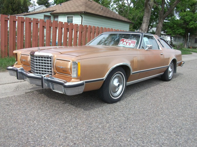 1978_Ford_Thunderbird_(4743710851)