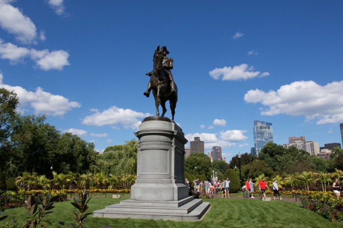 Washington statue in Boston Public Gardens.