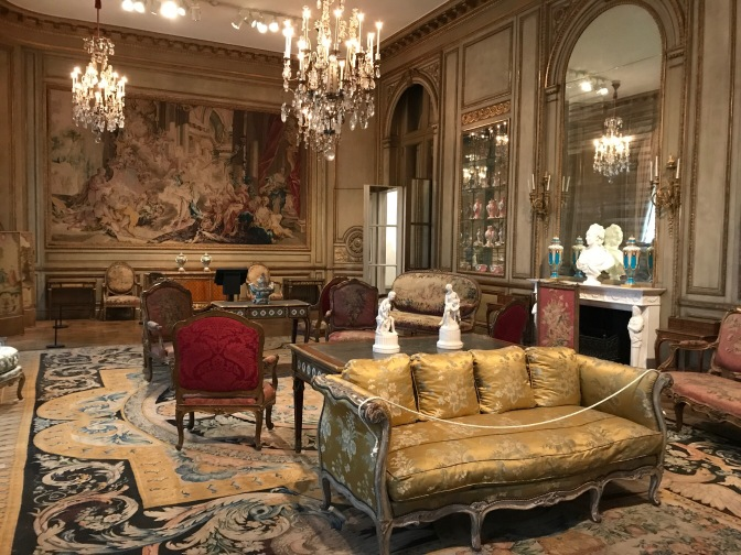 Opulent room with furnishings from 16th century France.