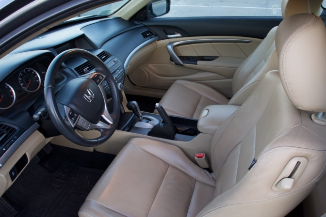 Interior cabin of 2012 Honda Accord.