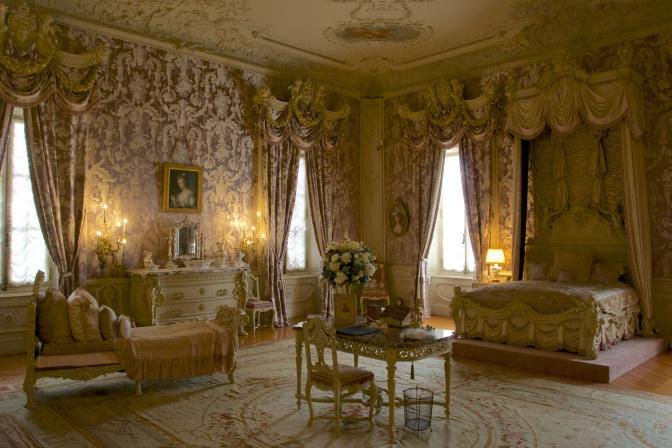 Alva Vanderbilt's bedroom.