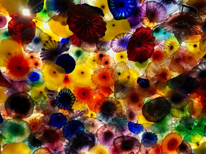 Glass flowers on lobby ceiling of Bellagio.