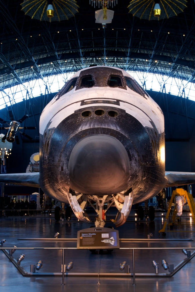 Frontal view of Space Shuttle Discovery.