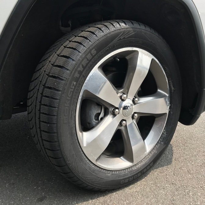 Nokian WR G4 SUV tires on Jeep Grand Cherokee.
