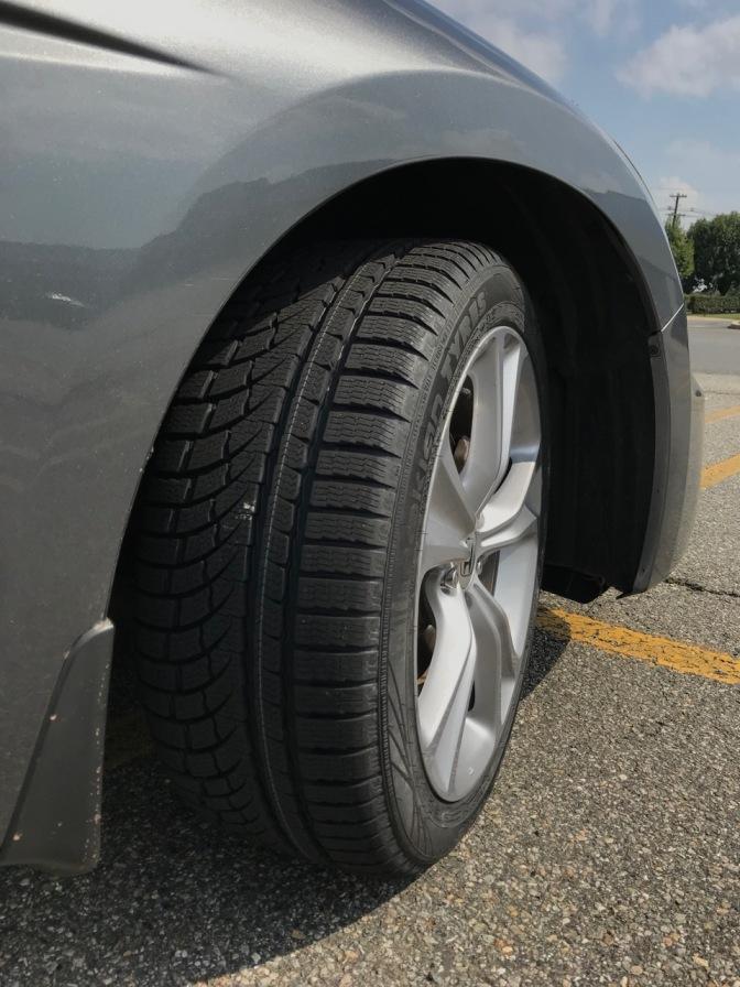 Tread pattern of Nokian WR G4 tires.