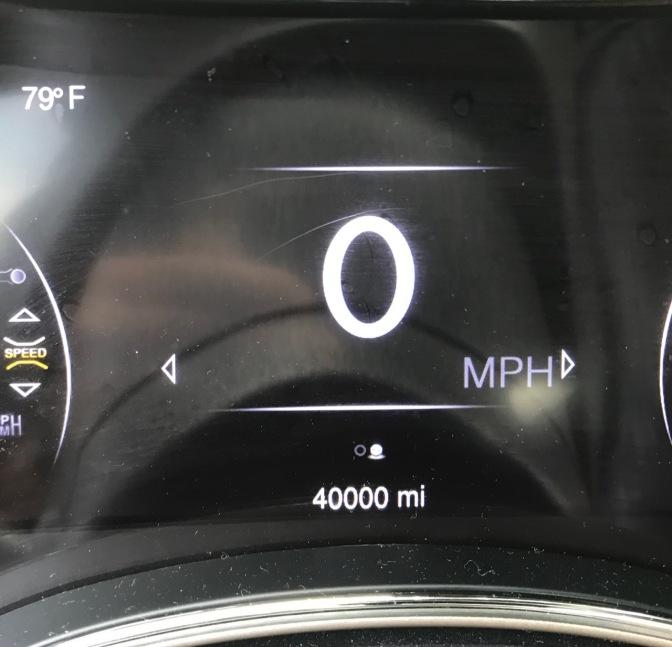 Jeep Grand Cherokee odometer reading 40,000 miles.