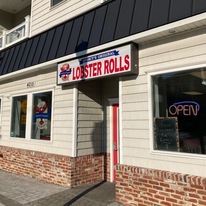 Exterior of Quincy's Original Lobster Rolls.
