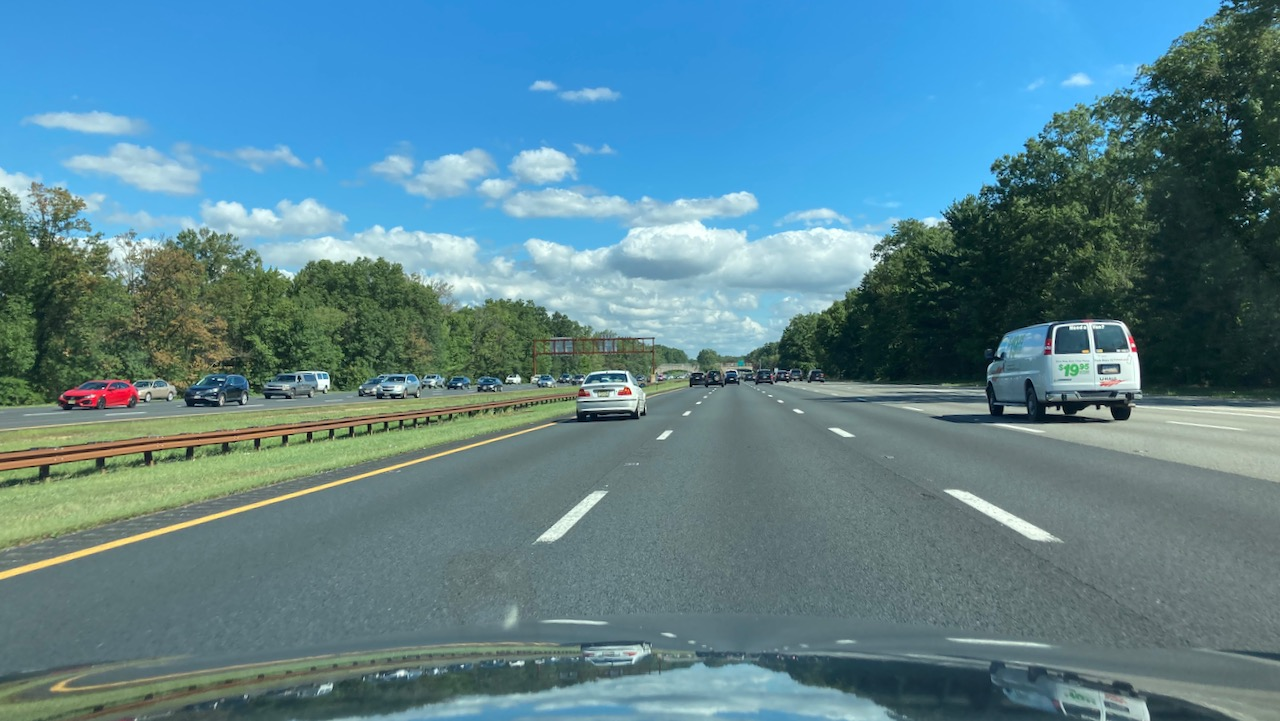 View of Garden State Parkway northbound on a sunny day.