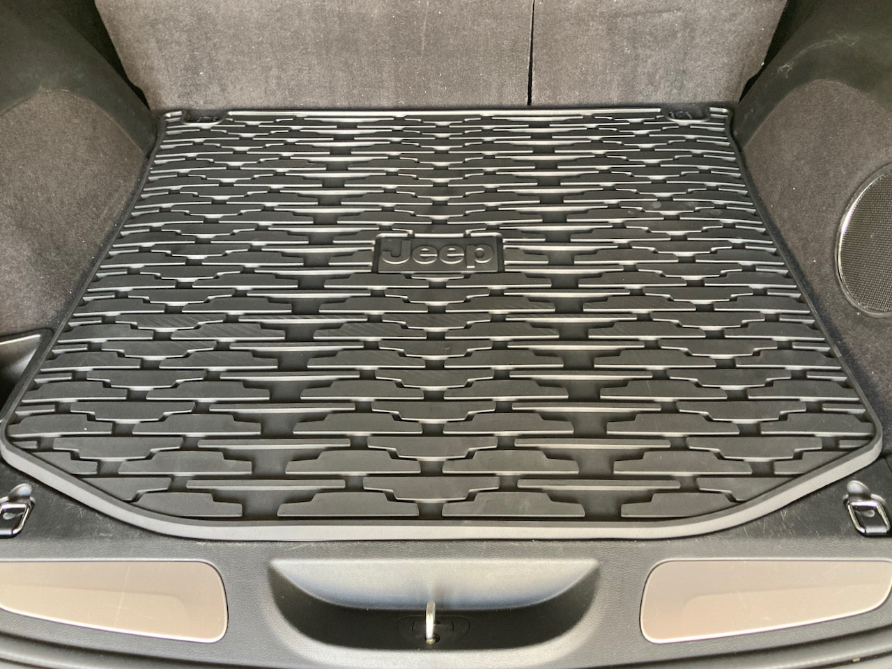 All-weather trunk mat in Jeep Grand Cherokee.