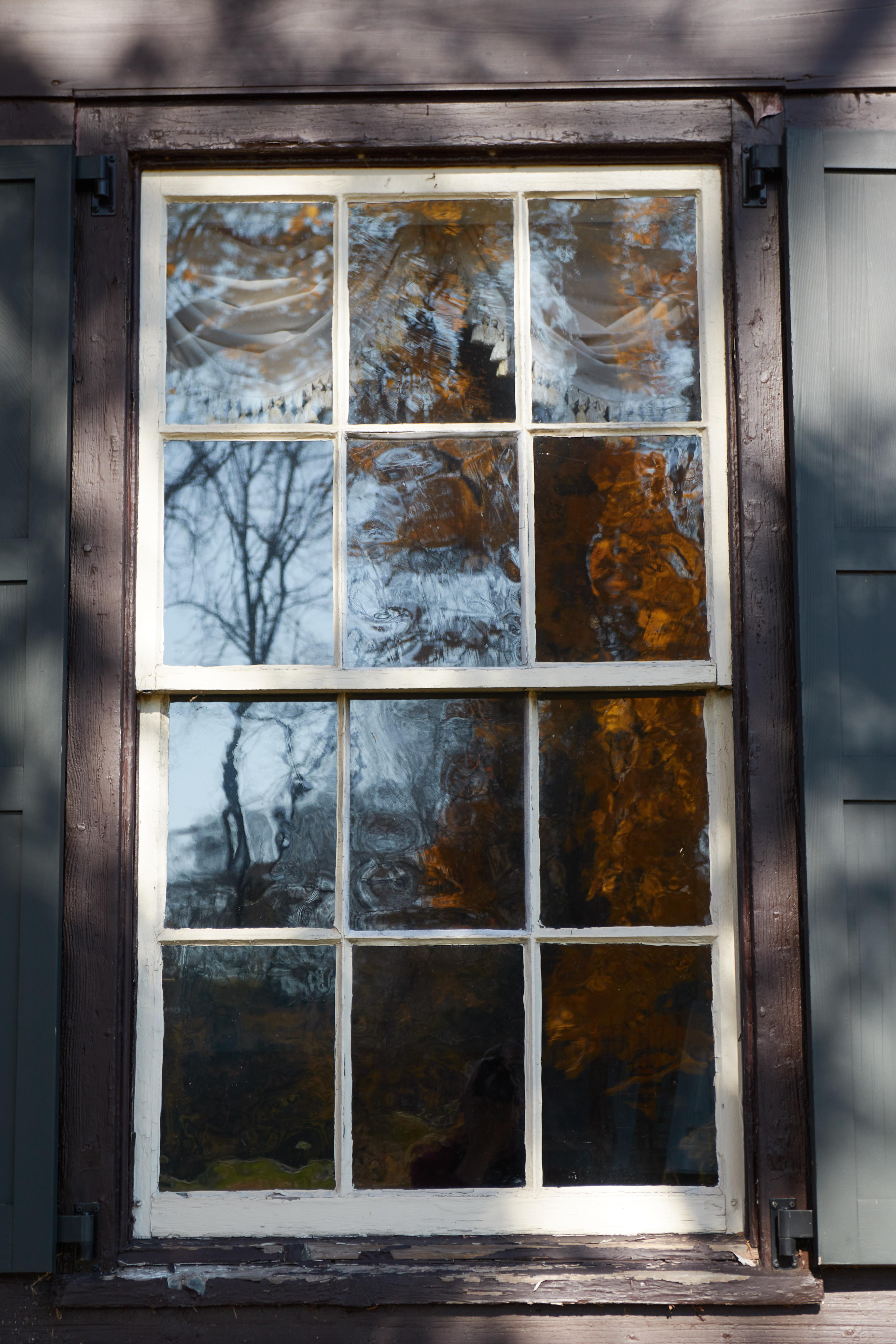 Window of Jacob Vanderveer House.