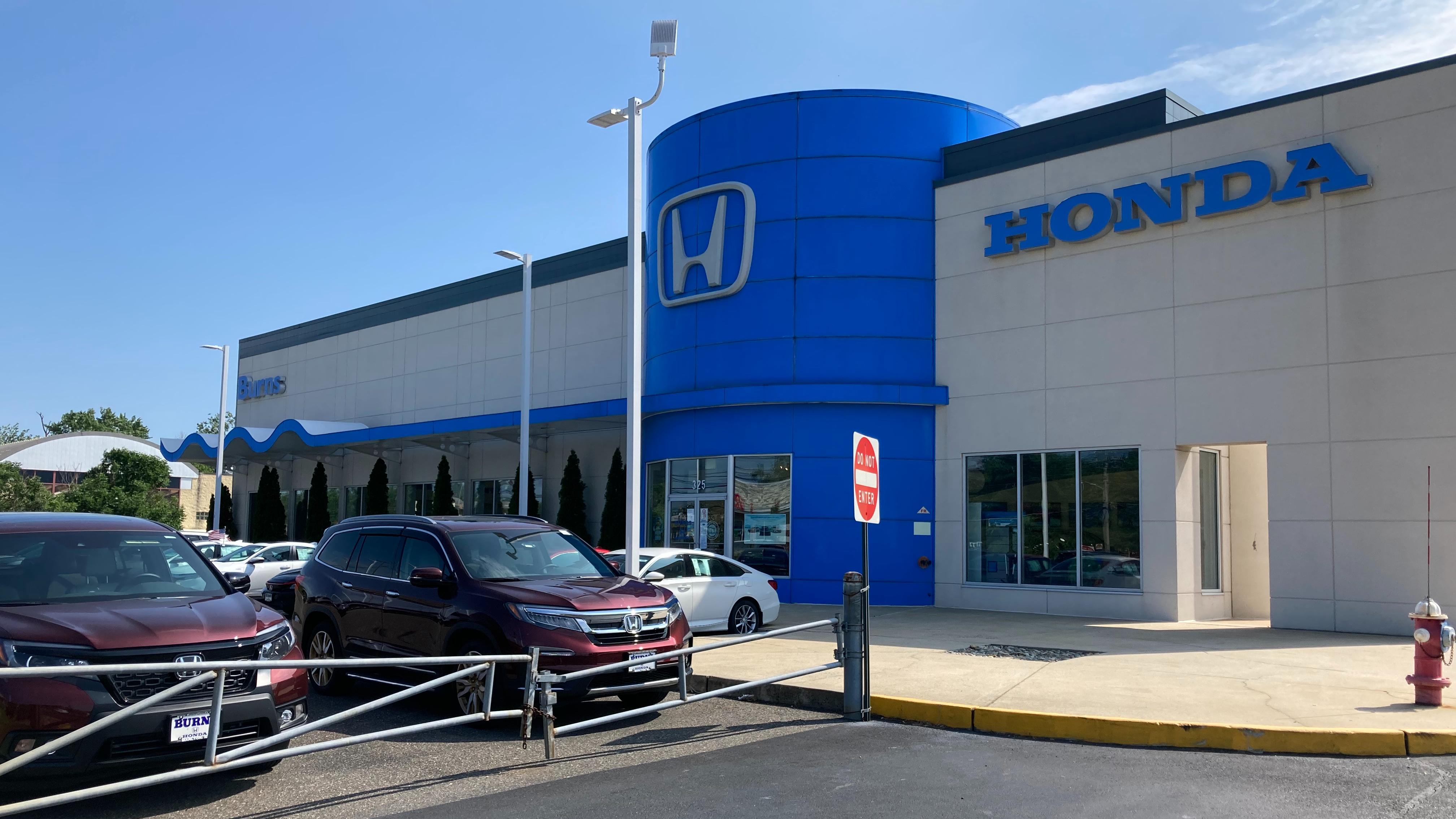 Exterior of Burns Honda dealership.