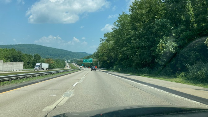 View of I-287 northbound, with mountains in distance.