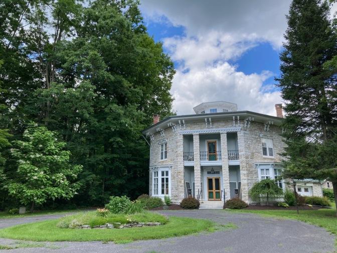 Yale-Cady Octagon House.