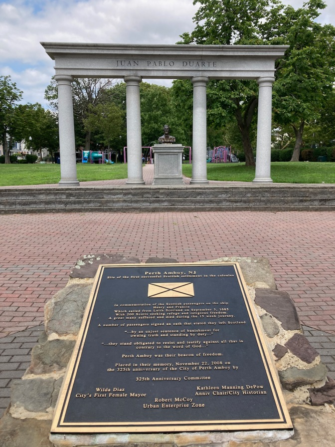 Small plaque honoring role of Scottish immigrants to Perth Amboy.
