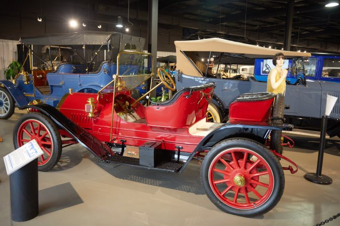 1910 Chalmers-Detroit coupe in red.
