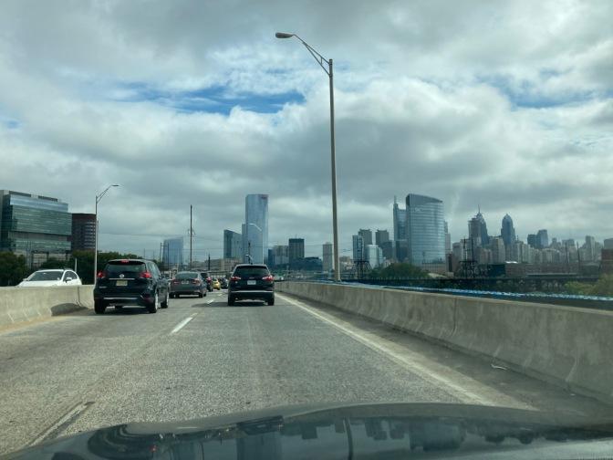 View of I-76 through Philadelphia, with heavy traffic.