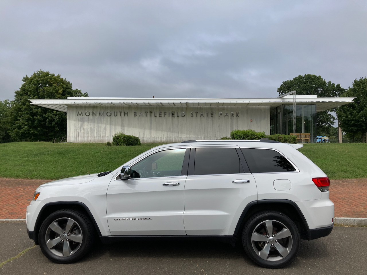 2014 Jeep Grand Cherokee in front of Monmouth Battlefield State Park Visitor Center.
