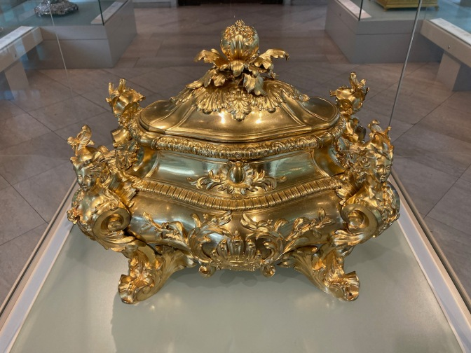 Soup tureen, covered in gold leaf.