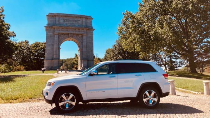 2014 Jeep Grand Cherokee parked in front of National Memorial Arch in Valley Forge.